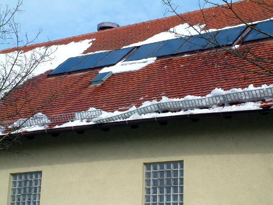 sicheres dach verkehrssicherungspflicht bei eis und schnee energie fachberater. Black Bedroom Furniture Sets. Home Design Ideas