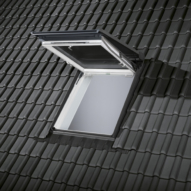 dachbalkon schafft zus tzlichen raum im dachgeschoss energie fachberater. Black Bedroom Furniture Sets. Home Design Ideas