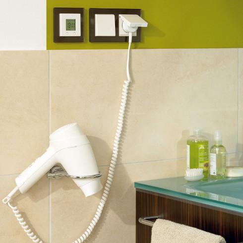 Bei Badsanierung auch an Elektroinstallation denken - ENERGIE ...