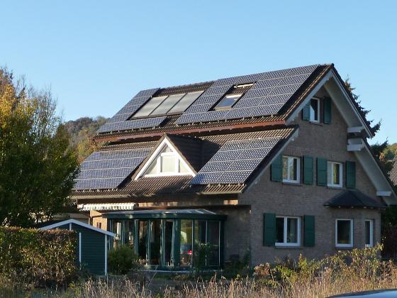 photovoltaik und elektrosmog worauf m ssen hausbesitzer achten energie fachberater. Black Bedroom Furniture Sets. Home Design Ideas
