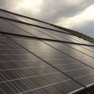 Solaranlagen Sind Eine Wirksame Strategie, Um Der Energiekosten Spirale Zu  Entkommen