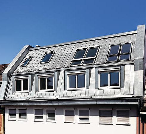 Passgenaue Dachaufstockung mit vorgefertigten Bauelementen - ENERGIE ...