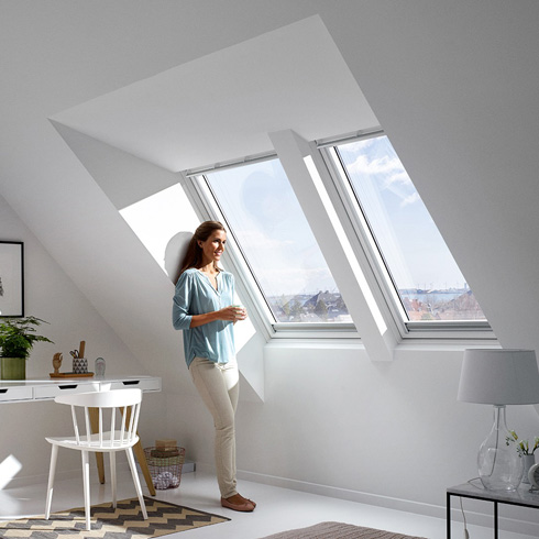 panorama dachfenster werten raeume unterm schraegdach auf