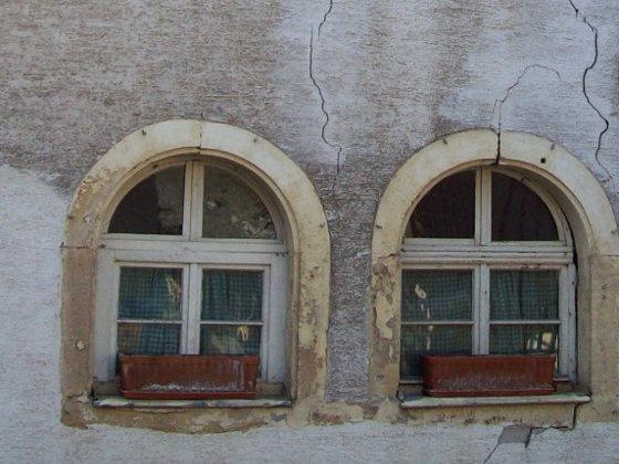 Berühmt Spachtelmassen überbrücken Risse bei der Fassadensanierung OP62