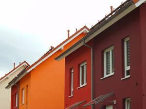 Die Fassade Schutzt Das Haus Vor Wind Und Wetter Sie Ist Tagtaglich Wechselnden Witterungsbedingungen Ausgesetzt Wodurch Schaden Im Laufe Der Zeit Nicht
