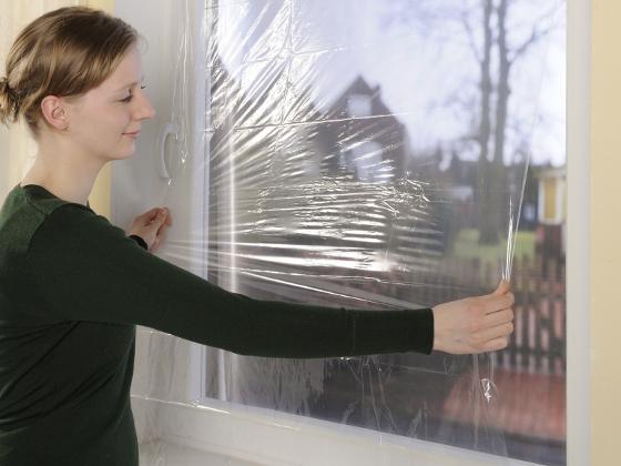 Fabulous Isolierfolie an Fenster und Heizkörper mindert Wärmeverluste IA93