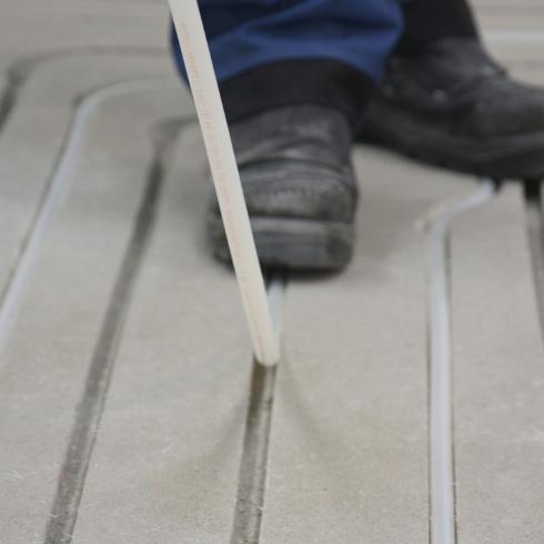 Gut gemocht Fußbodenheizung schnell, einfach und günstig nachrüsten - ENERGIE RL87